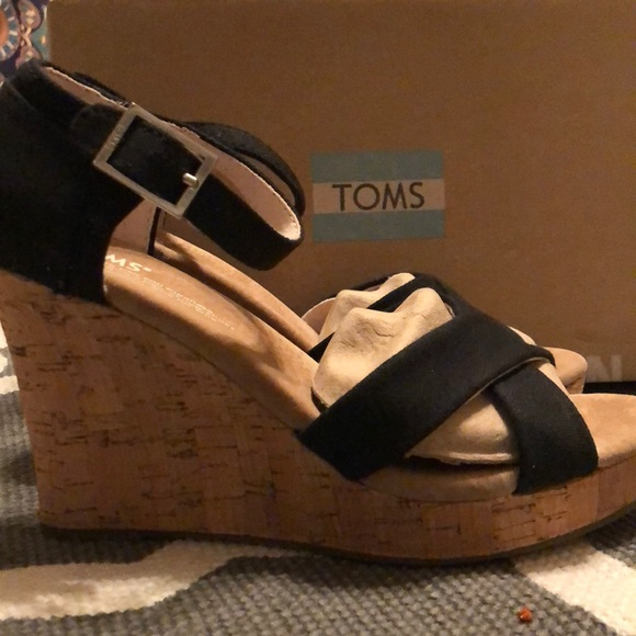 0d91cb49b46 Strappy wedge black canvas cork shoes